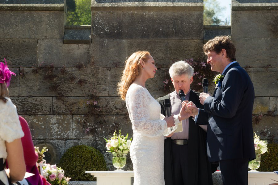 Dundas-Castle-Outside-Wedding-015