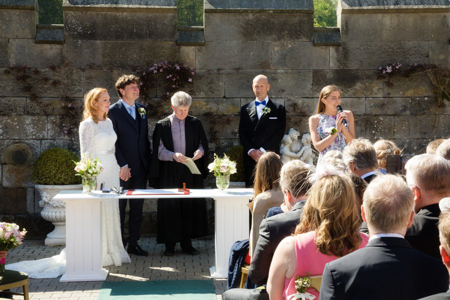Dundas-Castle-Outside-Wedding-020