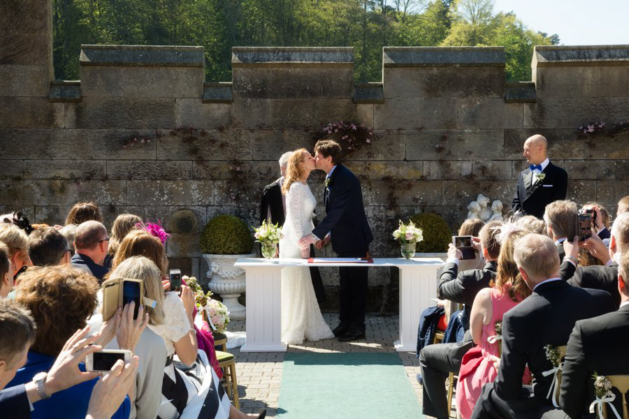 Dundas-Castle-Outside-Wedding-022