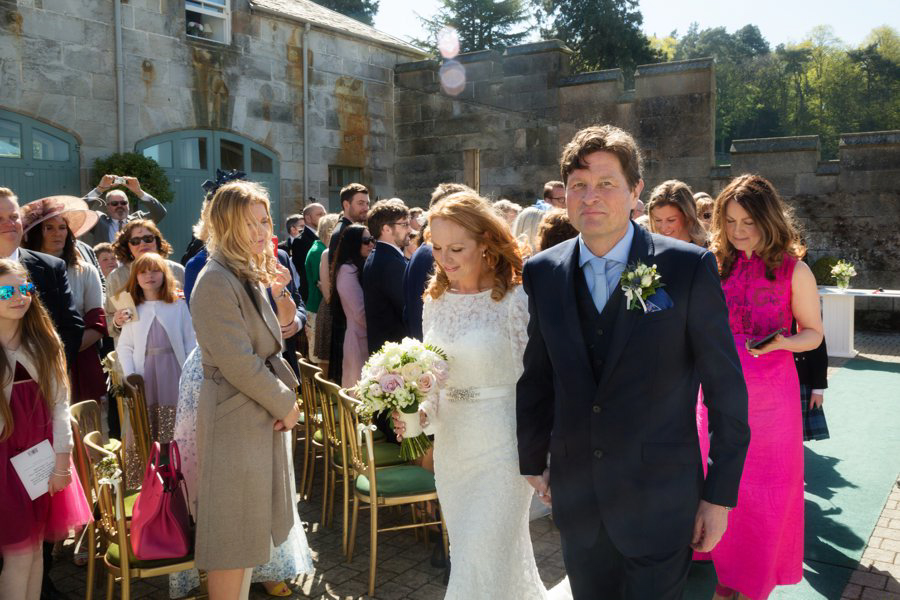 Dundas-Castle-Outside-Wedding-025