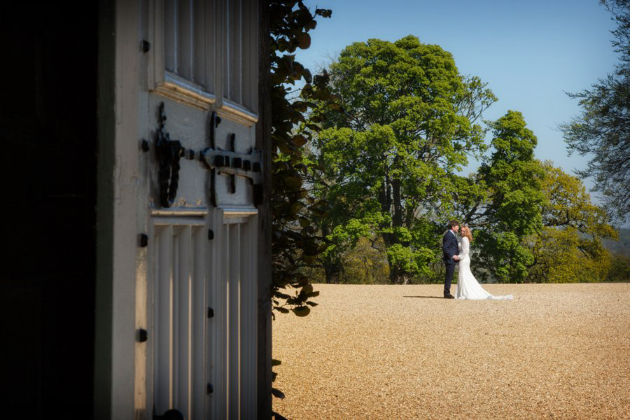 Dundas-Castle-Outside-Wedding-030