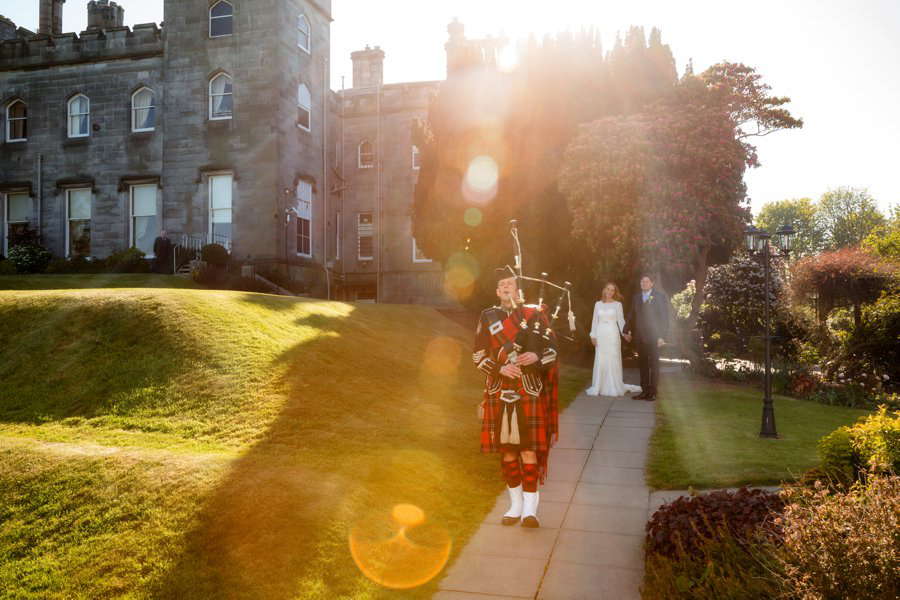Dundas-Castle-Outside-Wedding-044