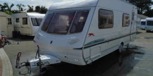 Abbey aventura 330 six berth touring caravan year 2004. Excellent condition