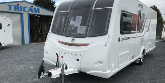 2017 Bailey Unicorn Vigo III OVS. One Owner From New. Transverse Bed / End Washroom. ALDE. Immaculate.