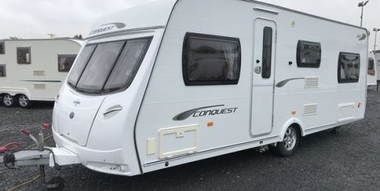 2011 Lunar Conquest 566/6 – 6 Berth. Separate Shower. Fabulous. 1 Owner.
