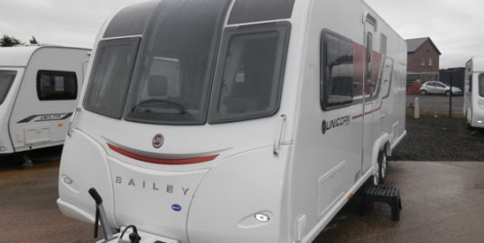 2015 BAILEY UNICORN CARTAGENA 4-BERTH * FIXED TRANSVERSE BED * END WASHROOM & SEP SHOWER * TWIN AXLE