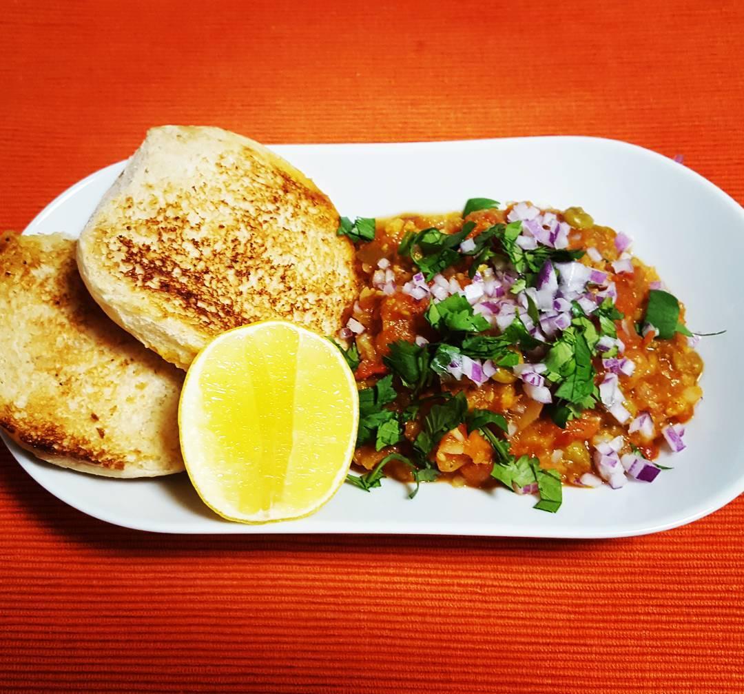 Bombay Style Pav Bhaji Recipe | Vegetables in Tomato & Butter Gravy
