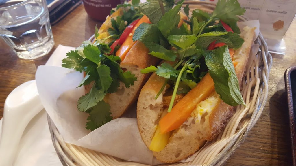 Bánh mì đậu | Lemongrass Tofu Vietnamese Baguette -Vegetarian Food in London
