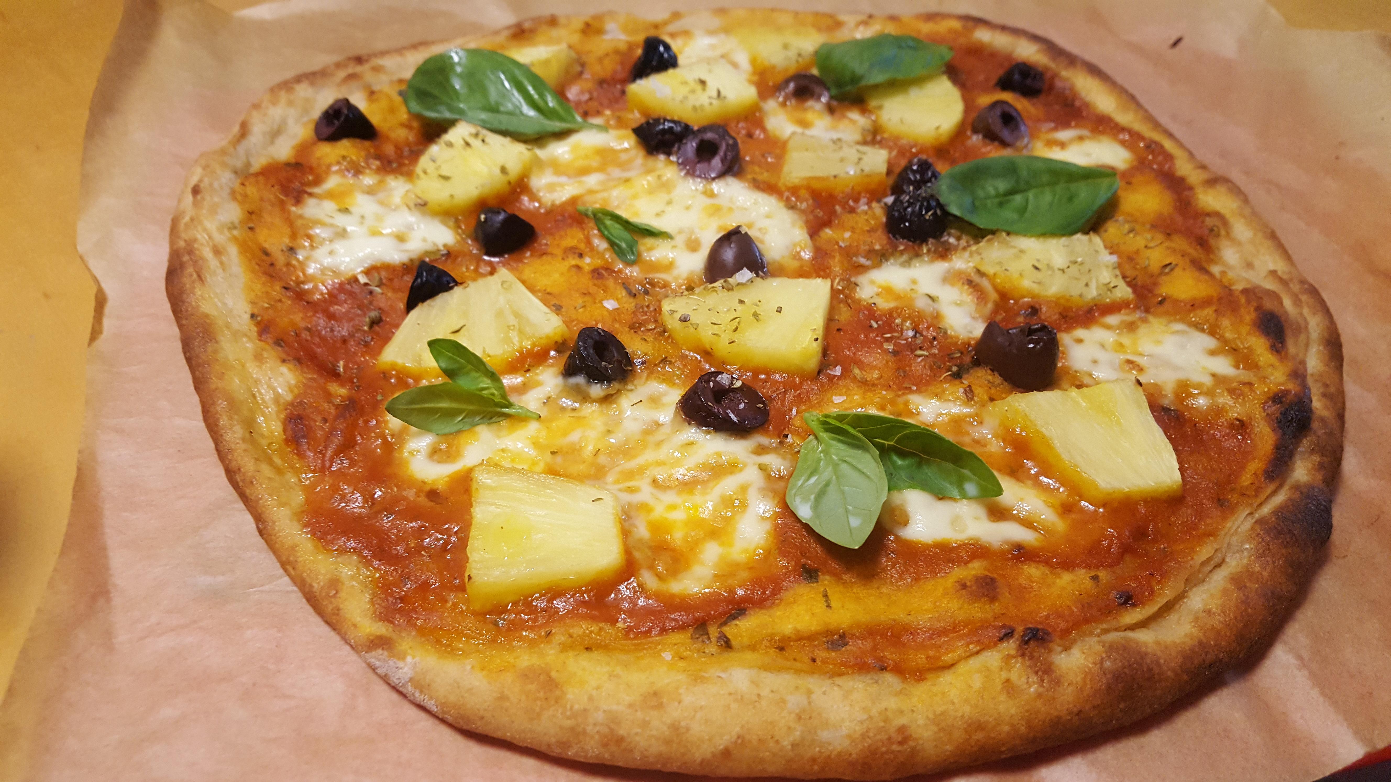 Sourdough pizza dough recipe - finished pizza