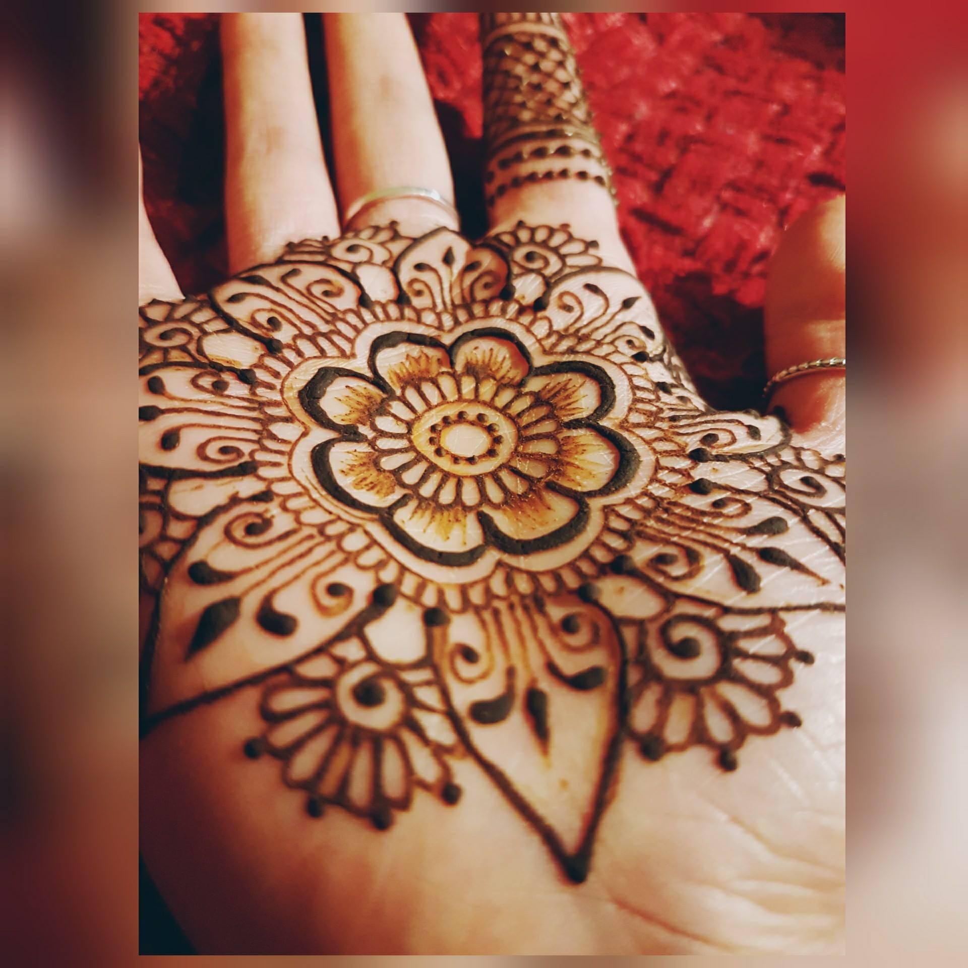 Poonam Lad Henna designs