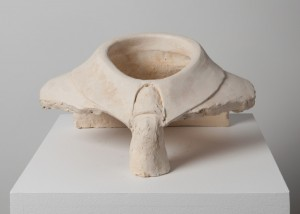 Jane Mcadam Freud: Subjective Object (2008), Stoneware Clay, 17 x 28 x 18 cm
