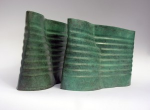 Jane Mcadam Freud: Family Size (2007), Bronze, 14 x 23 x 4 cm (each one)