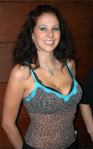 Gianna Michaels in skimpy top, big tits