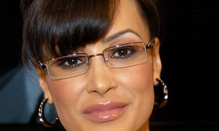 Lisa Ann Grabs a Pair at NightMoves Awards