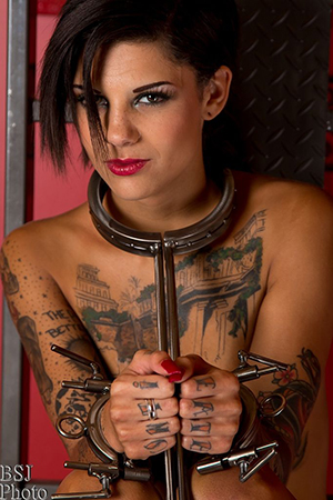 Bonnie Rotten for Mental Beauty