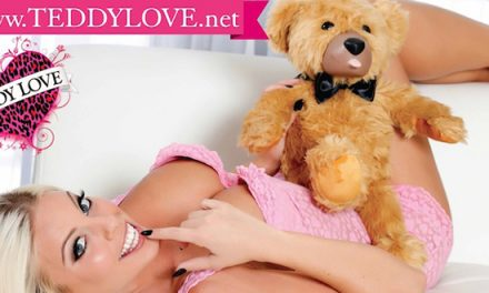 Teddy Love receives two AVN nominations