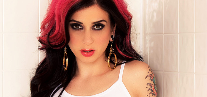 Joanna Angel hosts 2016 AVN Awards