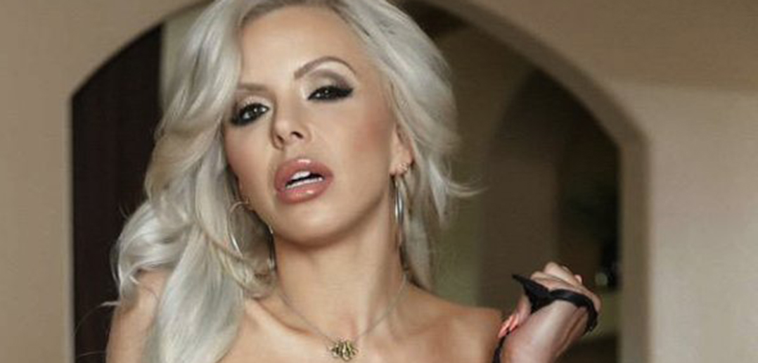 Nina Elle plays a sexy vampire in new movie