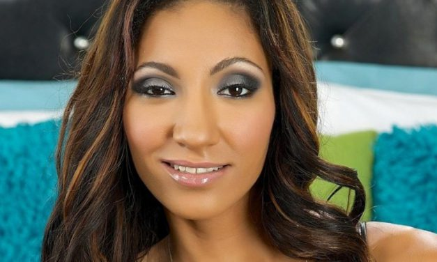 Sadie Santana is headed to EXXXOTICA