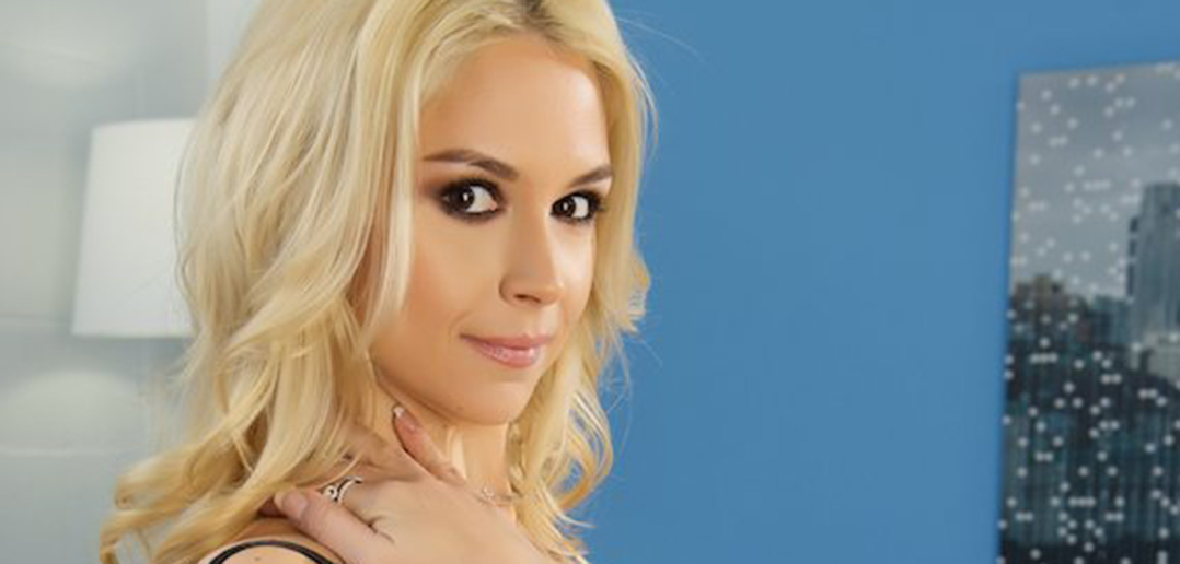 Sarah Vandella heads to Exxxotica and more