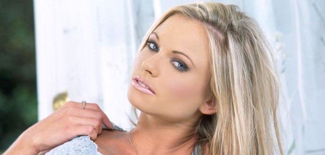 Briana Banks signs with Kendra Lust's Society 15