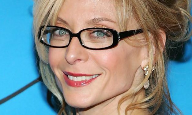 Nina Hartley visits The Truth: Front to Back
