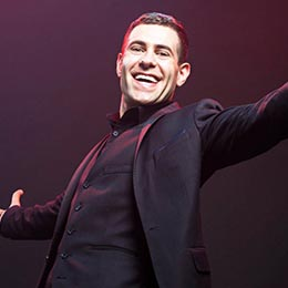 Simon Brodkin As Lee Nelson