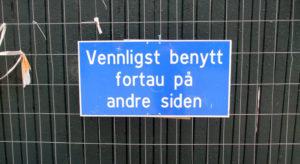 Please in Norwegian