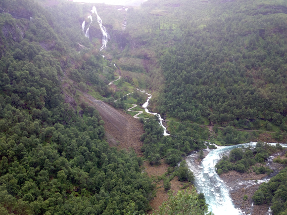 A view of the spectacular Flåm valley