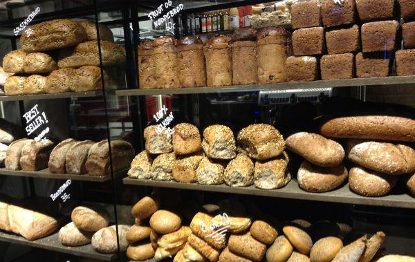 Fresh bread at Mathallen