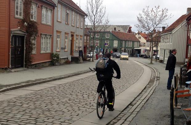 Cyclist on Bakklandet