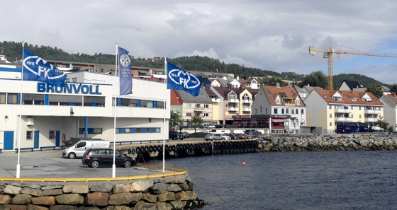 Molde flags at the harbour