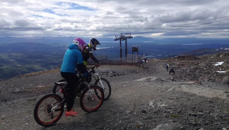 Bikers on Åreskutan