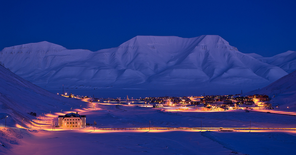 Longyearbyen in blue