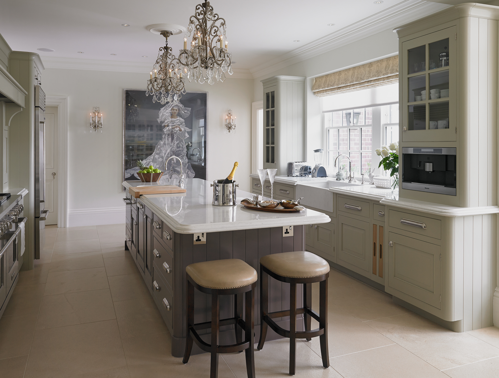 Luxury bespoke kitchens english classic collection for Classic kitchen decor