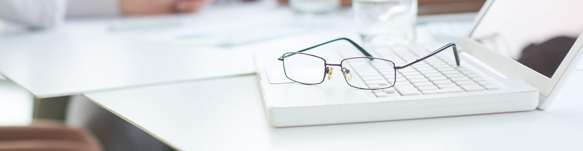 Specky Four Eyes - glasses