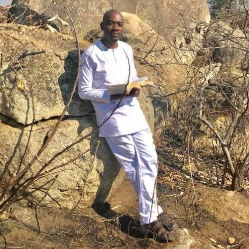 Clad in all-white and clutching Bible, Chamisa urges fasting, prayers for crunch Wednesday