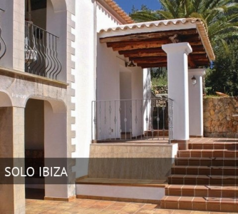 Hostal Holiday Home Santa Eulalia with Fireplace VIII, opiniones y reserva