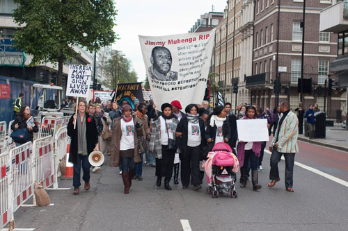 Adrienne Makenda Kambana leads the march to the Home Office a month after Jimmy Mubenga's death in November 2010 (© Marcin Gulbicki)