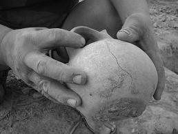 a huaco found by a huaquero in peru