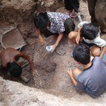 Cambodian Family Looting (photo from memotcentre.org)