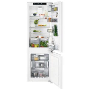 AEG SCE81864TC 177cm Integrated 70/30 CustomFlex Frost Free Fridge Freezer