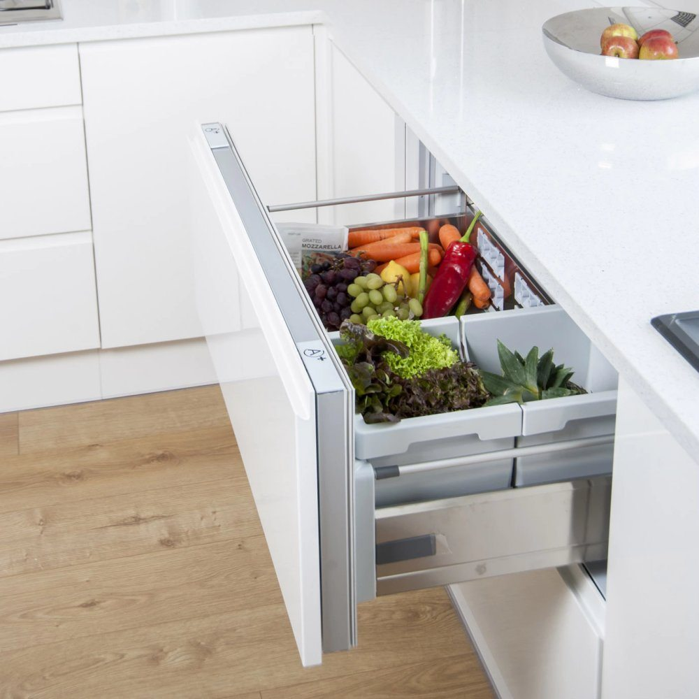 Hotpoint Ncd191i 90cm Integrated Fridge With Pull Out
