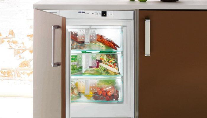 96L-Liebherr-Integrated-Freezer-UIG1313LH-Lifestyle-high