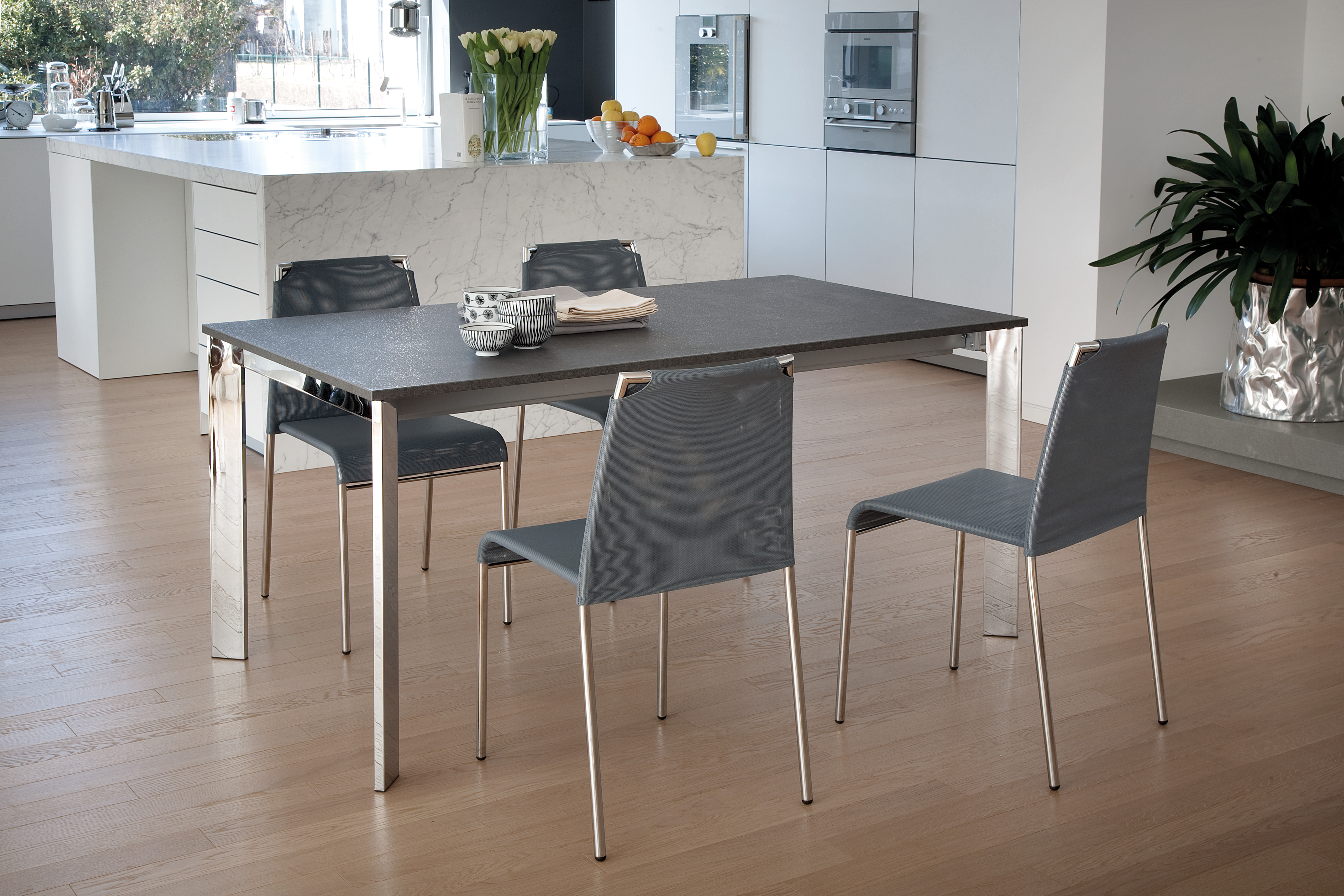 Maximo-160 Dining Table-31349