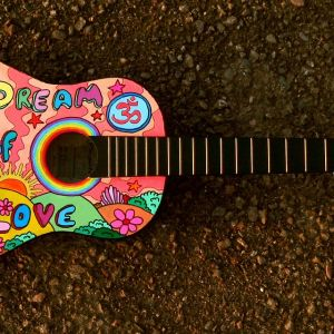 painted-guitar-1087209_1280