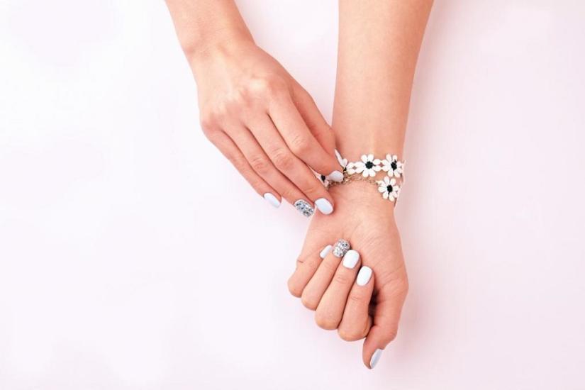 paznokcie letnie manicure