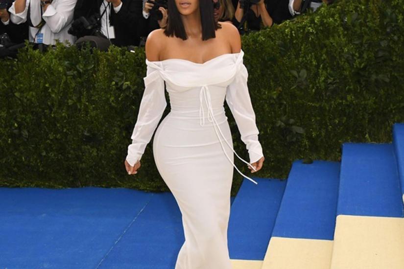 sukienka na szerokie biodra