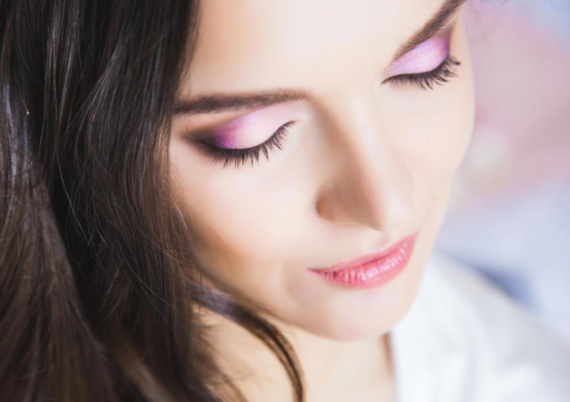 Różowy cień na powiekach jest hitem