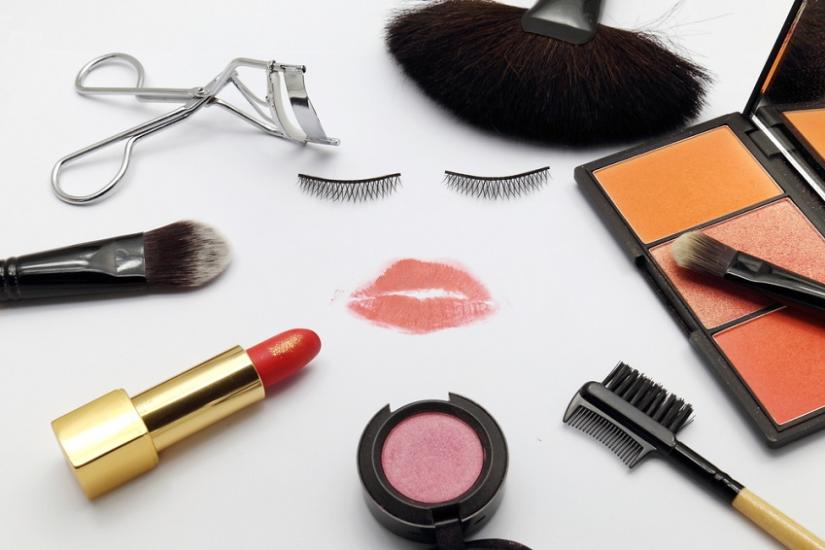 kremy i kosmetyki kolorowe